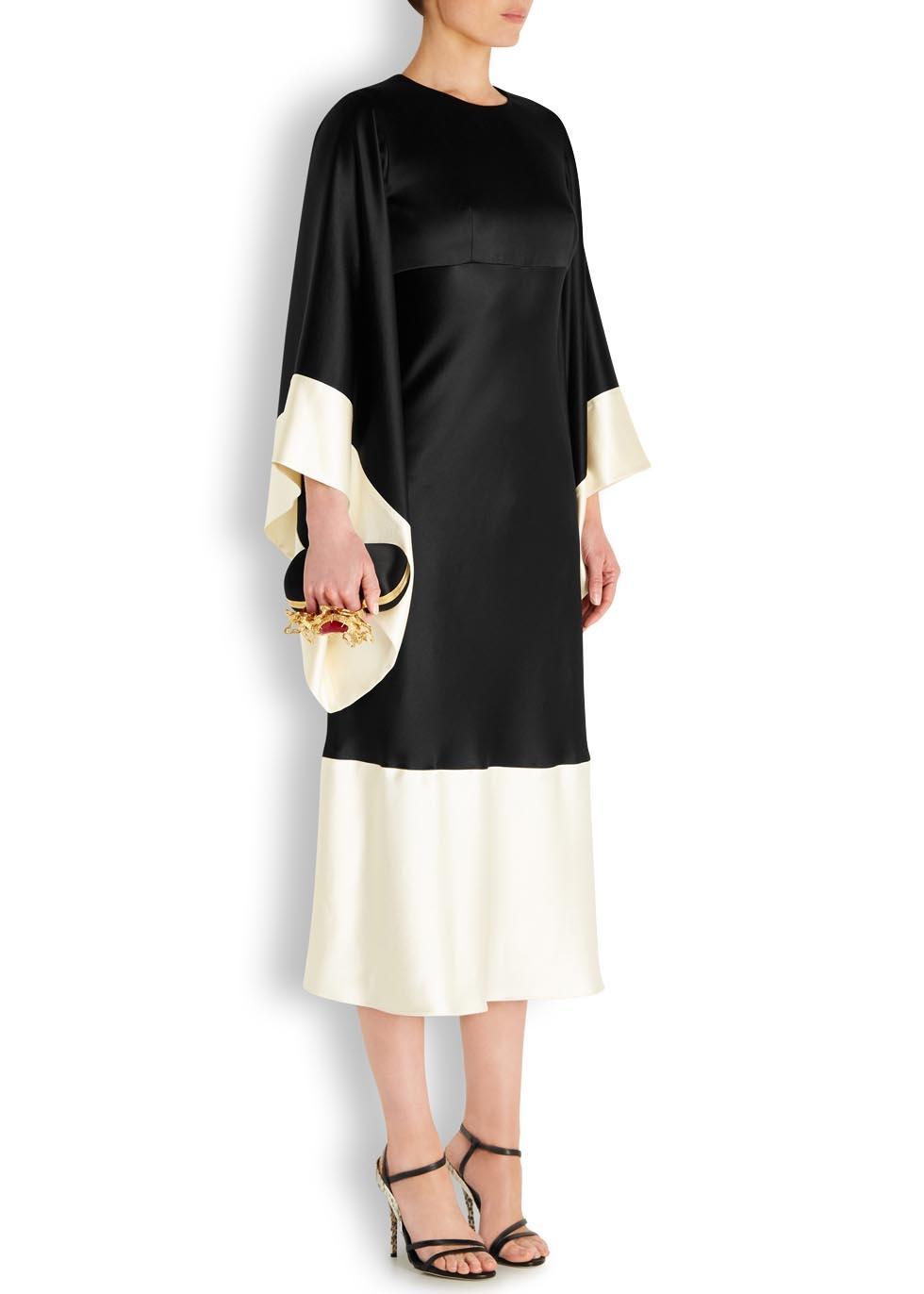 3f3d08eb6318 Alexander McQueen Monochrome Kimono Sleeve Silk Midi Dress in Black ...