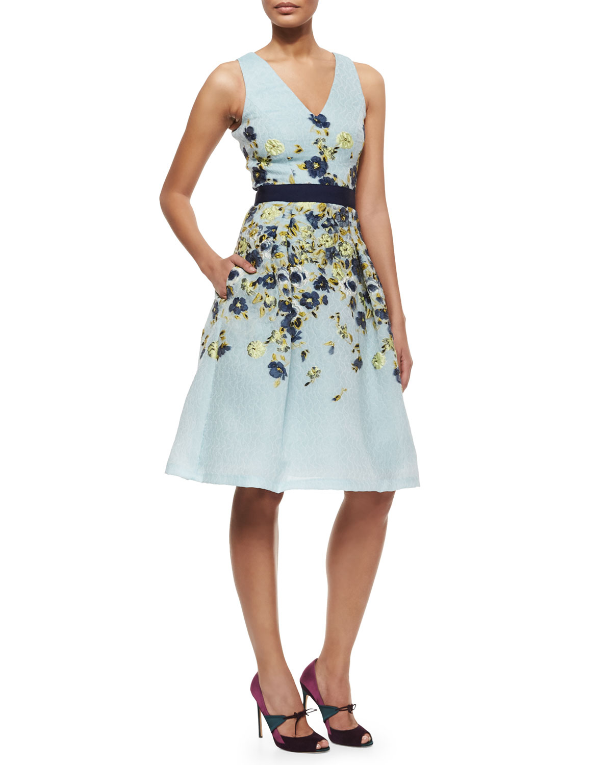 Lyst carolina herrera floral embroidered fil coupe