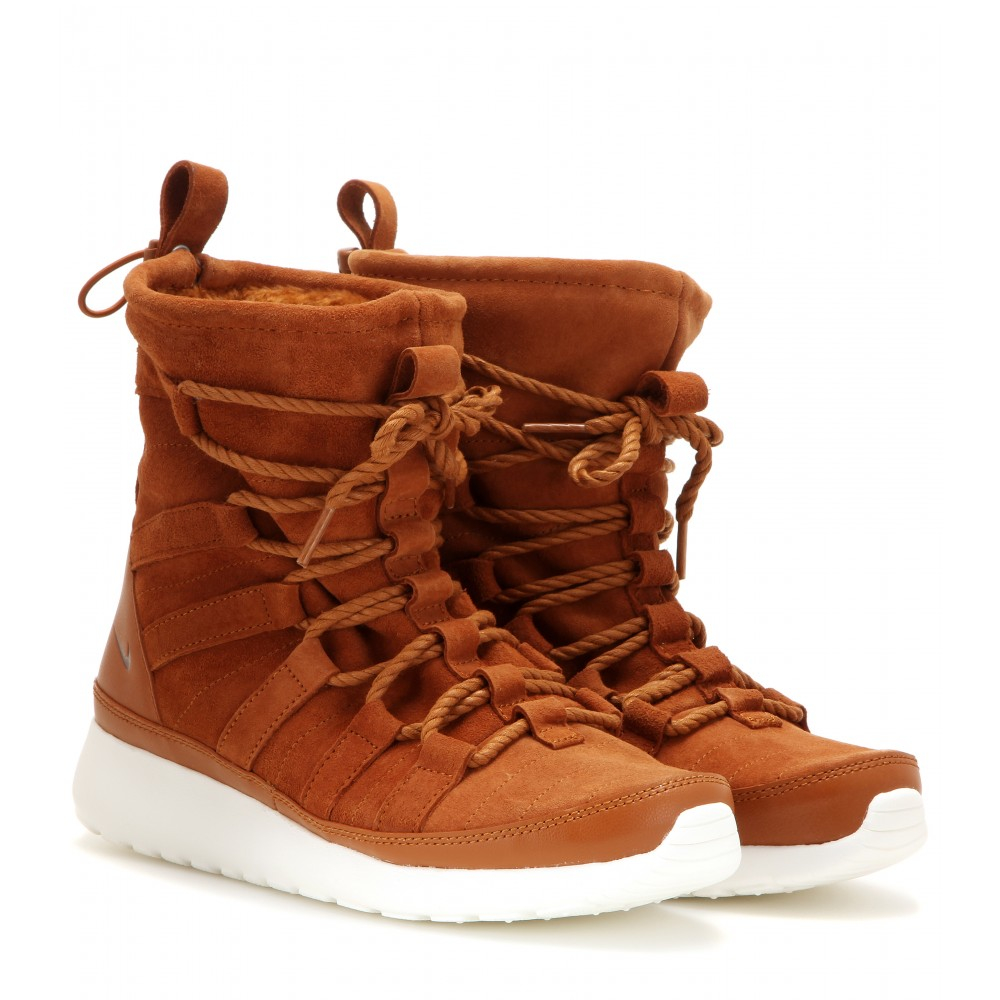 322be2336b72 Lyst - Nike Roshe One Hi Suede Boots in Brown