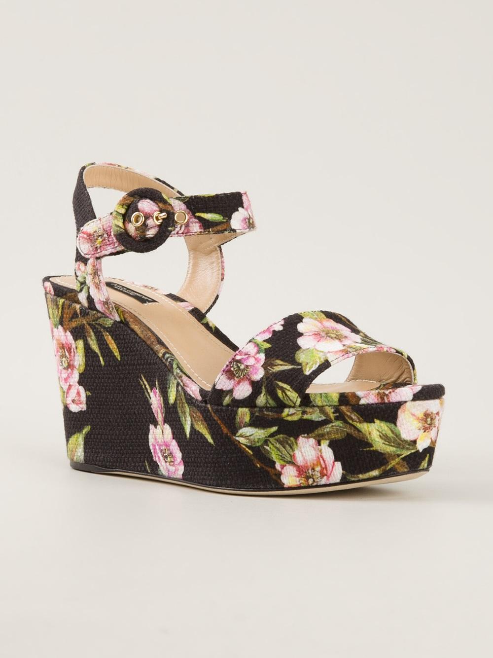 0d0d5cf73a6 Lyst - Dolce   Gabbana Floral Print Wedge Sandals in Green