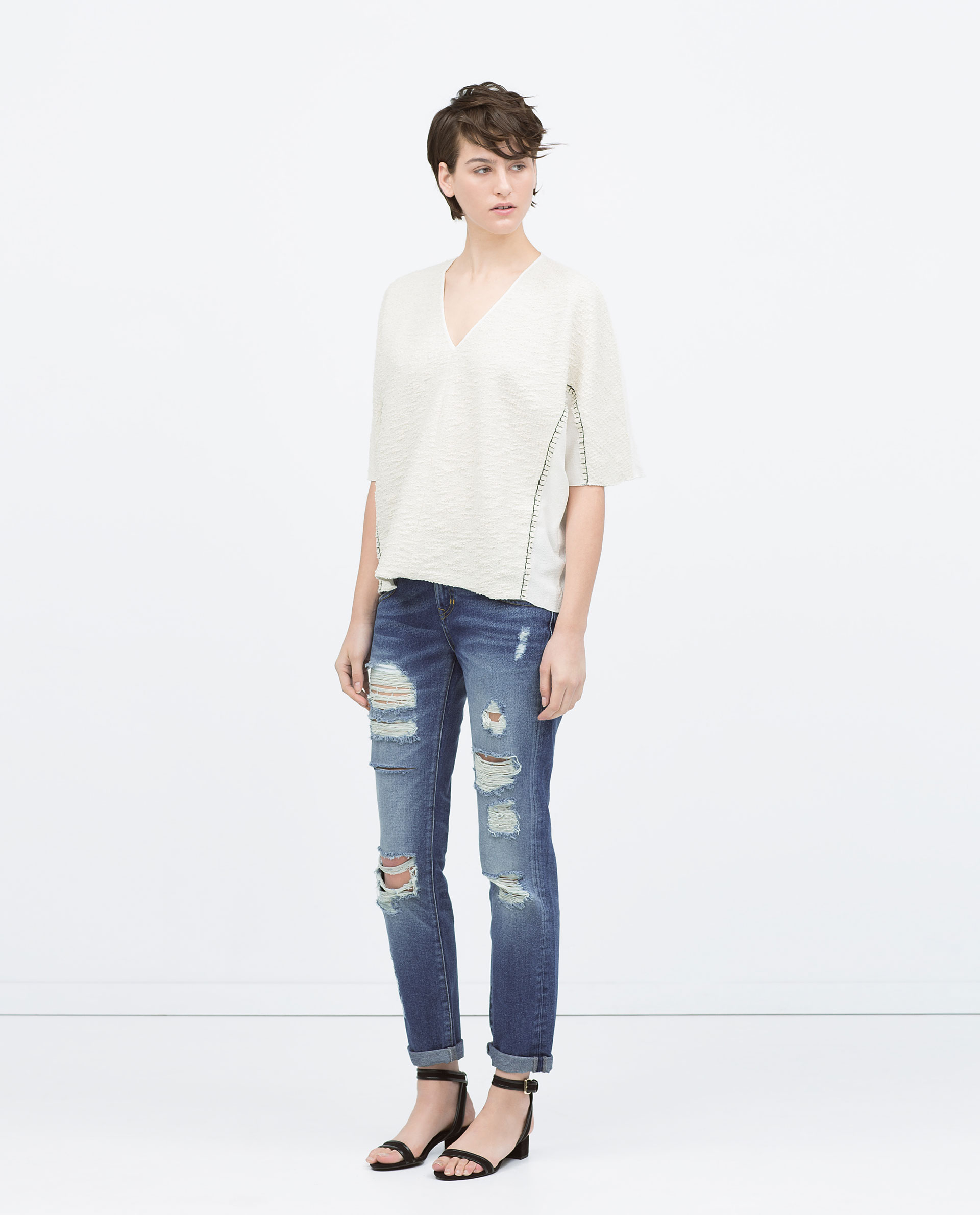 zara medium wash ripped boyfriend jeans in blue mid blue lyst. Black Bedroom Furniture Sets. Home Design Ideas