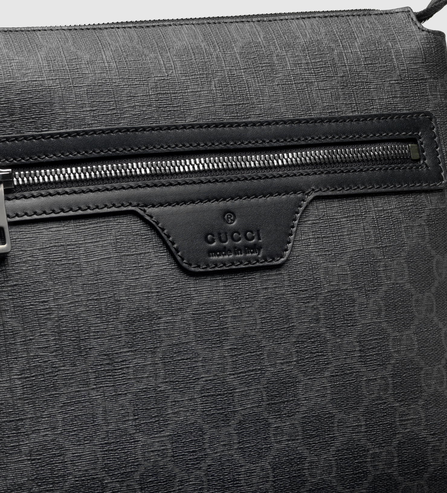 77980739bd8 Gucci Gg Supreme Canvas Small Messenger Bag in Black for Men - Lyst