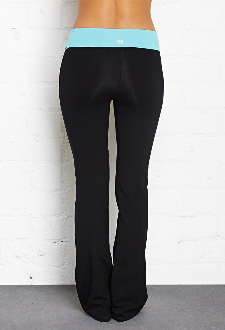Forever 21 Fit & Flare Fold-Over Yoga Pants in Black | Lyst