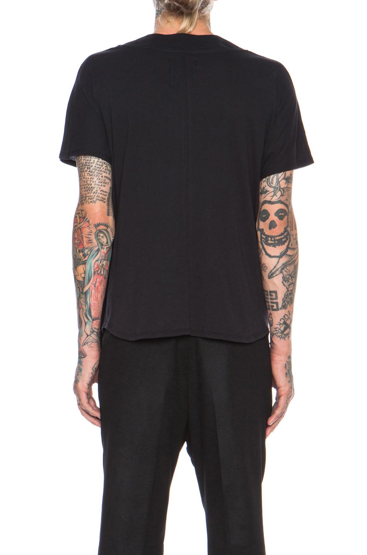 Im black t shirt - Gallery