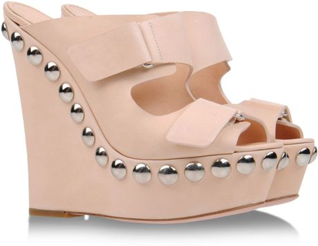 Giambattista Valli Mules Clogs in Beige - Lyst