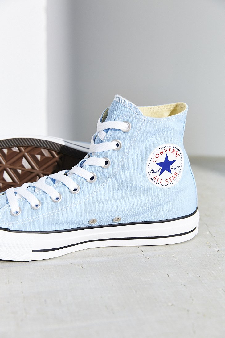 f8beadc6a1a95a Gallery. Previously sold at  Urban Outfitters · Women s Converse Chuck  Taylor ...