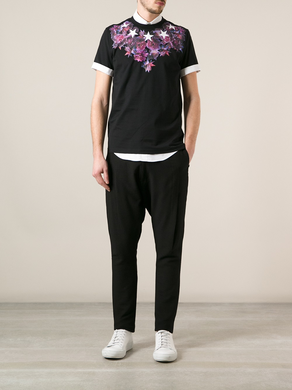 Givenchy flower and star print tshirt in black for men lyst for Givenchy 5 star shirt