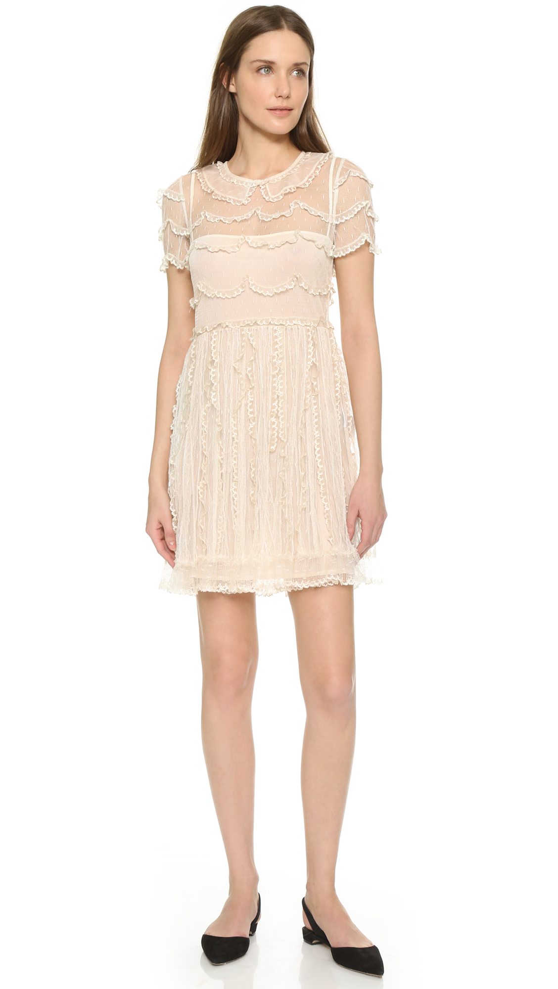 Red Valentino Spring 2016: Red Valentino Lace Dress In Pink