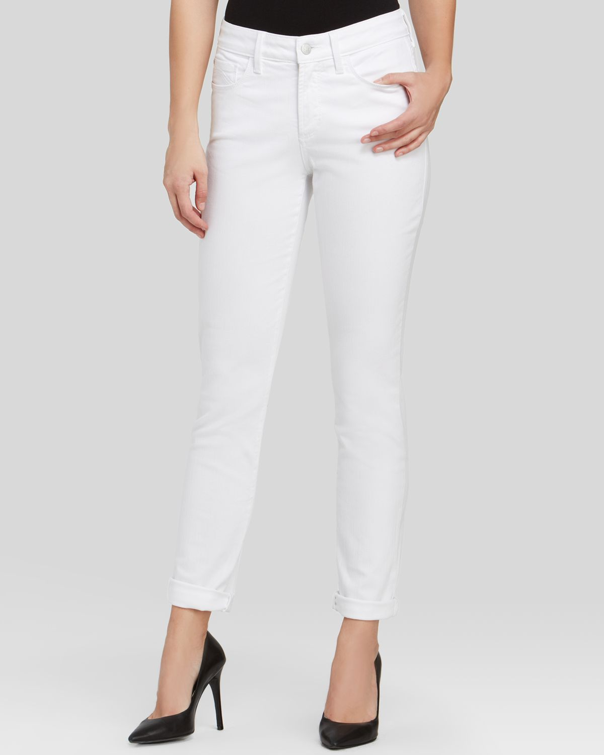 381193620aa45 Gallery. Previously sold at: Bloomingdale's · Women's White Jeans