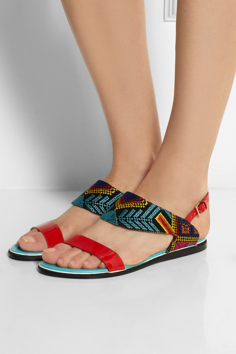 How To Wear Embroidered Shoes And Sandals