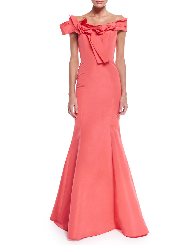 89157b0a4c7c5 Carolina Herrera Off-The-Shoulder Mermaid Gown in Pink - Lyst