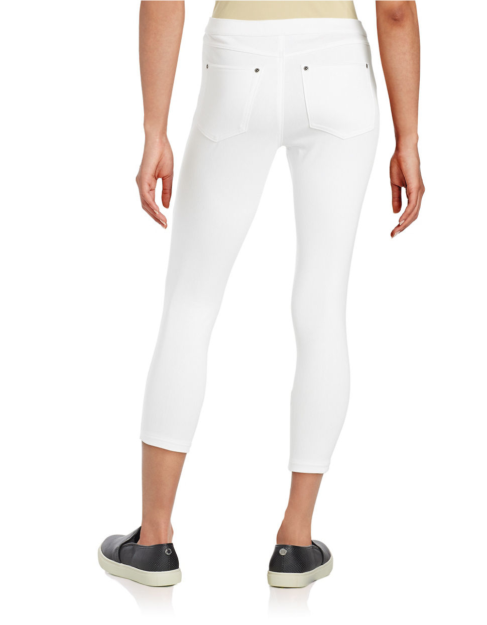 Hue Super Smooth Denim Capri Leggings in White | Lyst