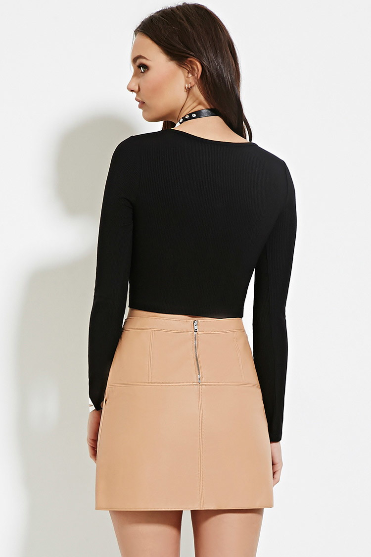 7ad41ab1367 Forever 21 Ribbed Button-front Crop Top in Black - Lyst