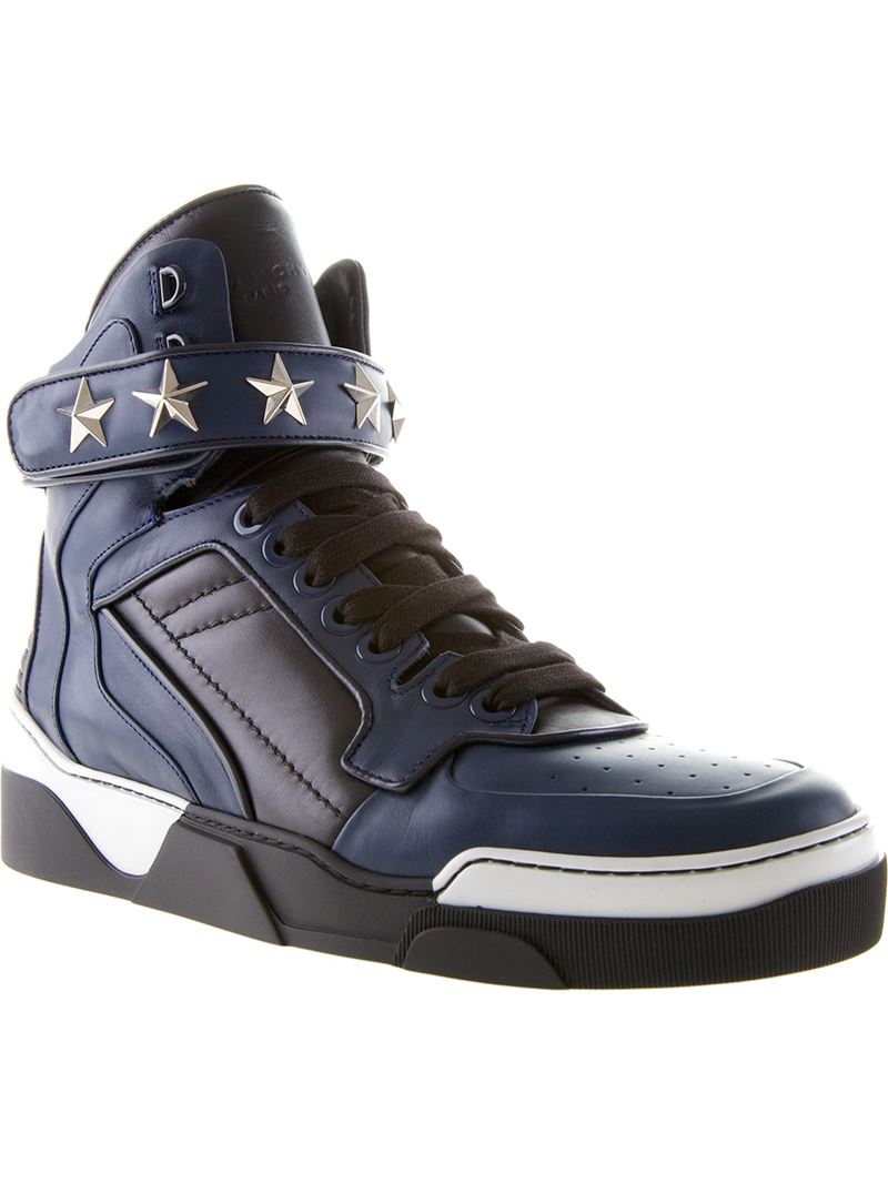e8019e54f Gallery. Previously sold at: Farfetch · Men's Givenchy Tyson Sneakers