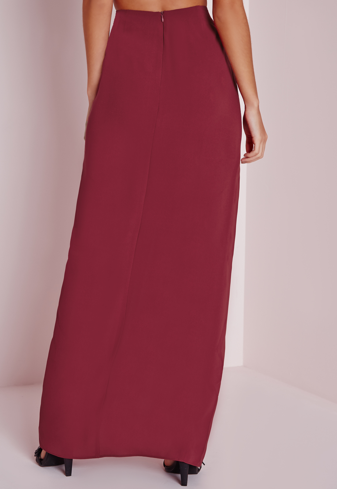 missguided split front maxi skirt burgundy in lyst