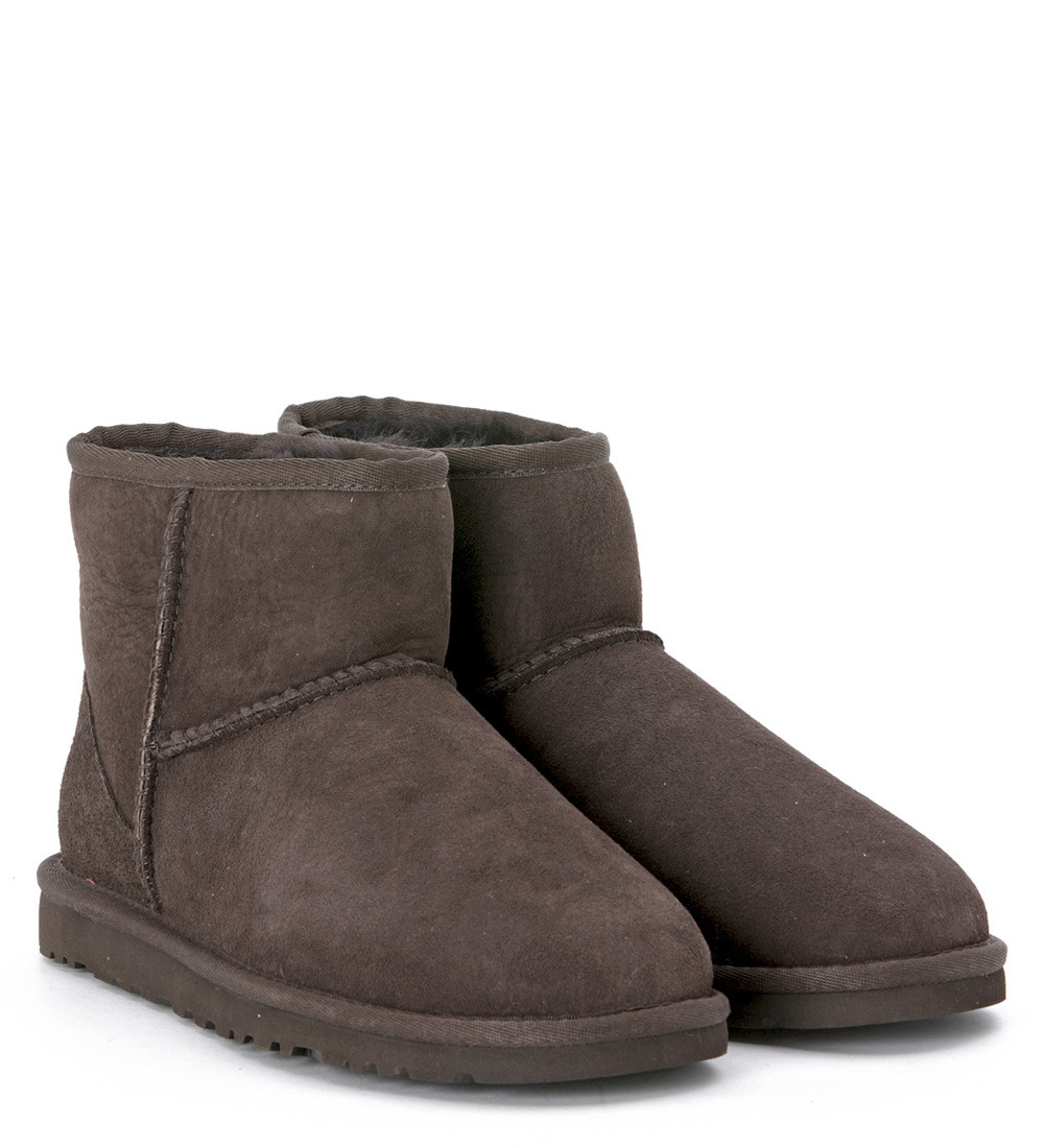 ugg classic mini ankle boots chocolate. Black Bedroom Furniture Sets. Home Design Ideas