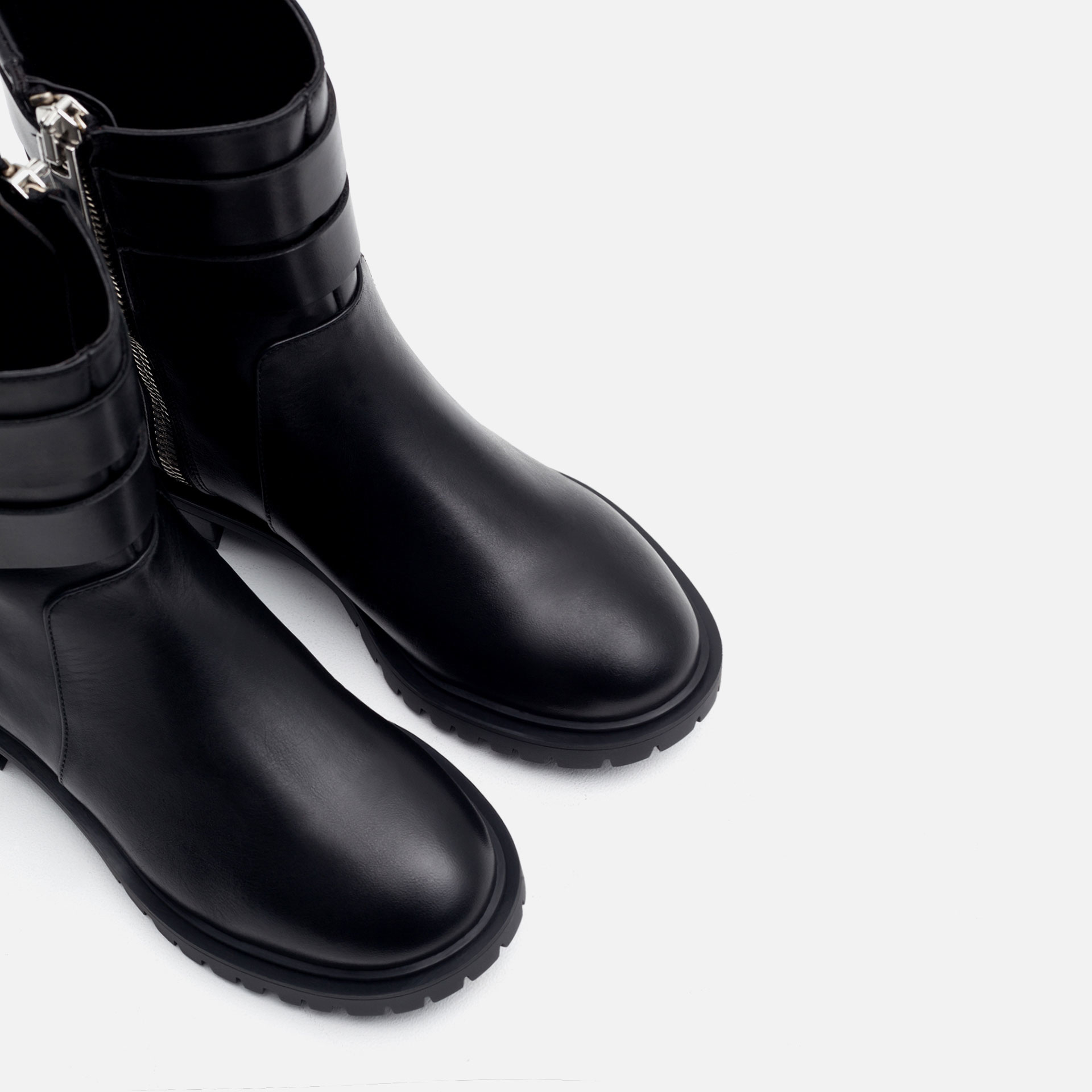 Zara Flat Leather Biker Ankle Boots in Black | Lyst