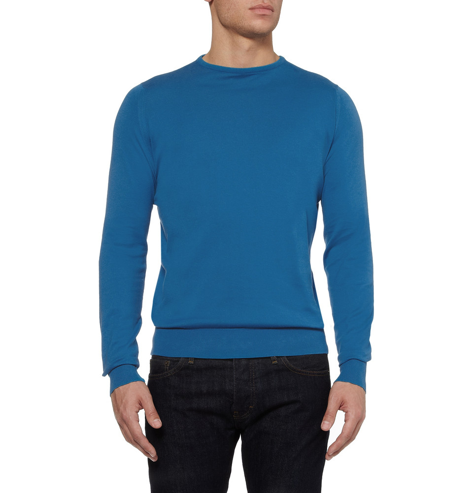 John Smedley - Silver Sea Island Cotton Lyndhurst Pullover The iconic style Lyndhurst is a long sleeved, crew neck pullover in John Smedley's Sea Island Cotton. Refined in style, Lyndhurst can be used as a key layer piece or worn singularly for a simple and sleek finish.