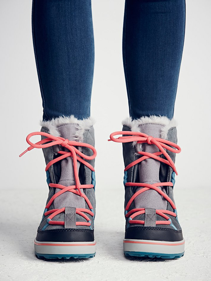 Women's Glacy Explorer Shortie Snow Boot