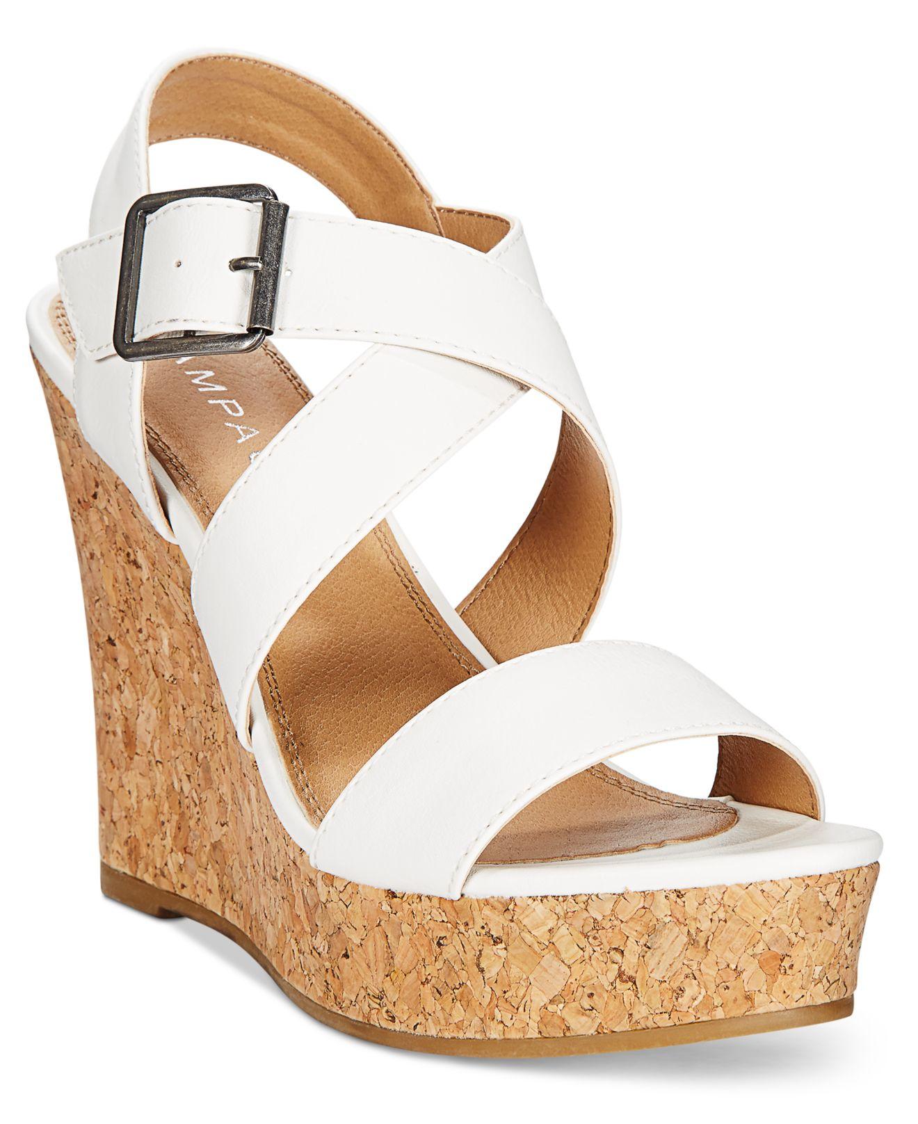 rage happy platform wedge sandals in beige white