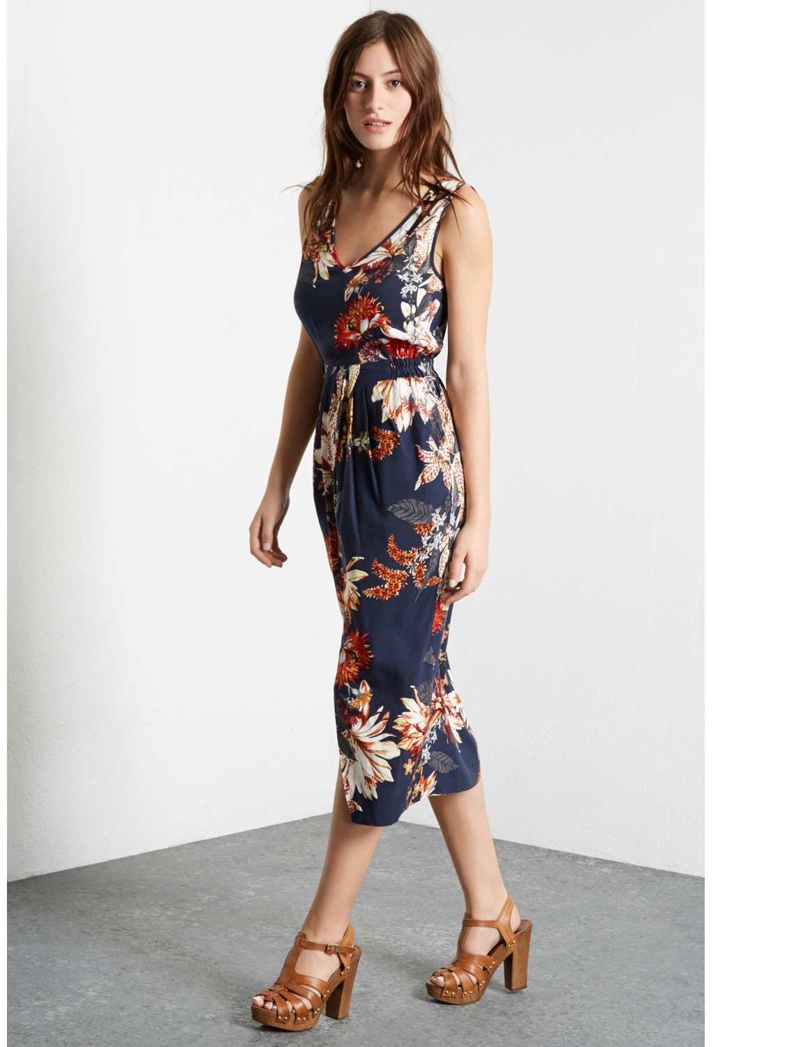 Get the cute midi dresses @Oshoplive. The latest collection for trendy midi dresses is prepared here. All in Chic, classy, selected style. Free shipping!