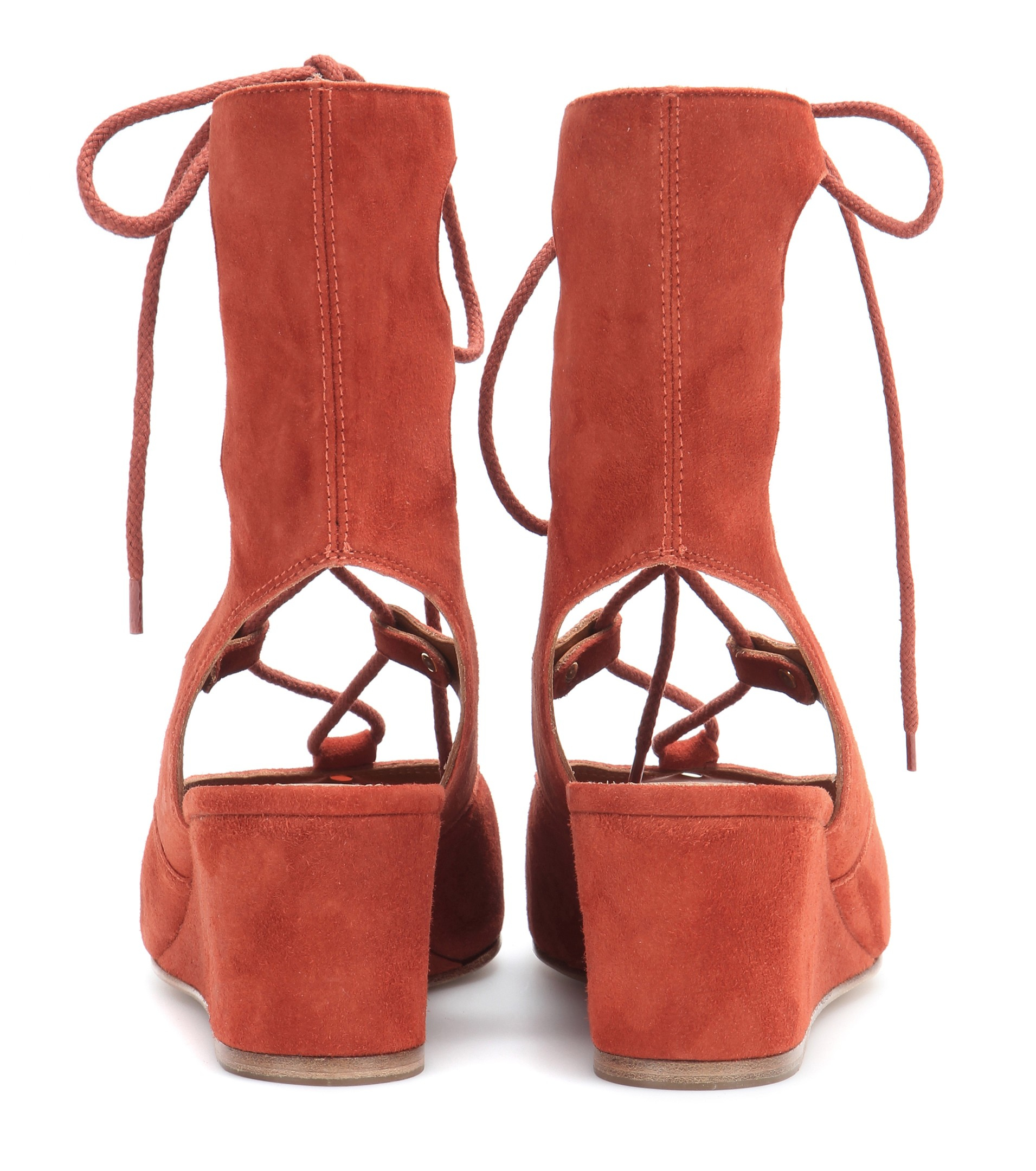 738a4b9e934 Chloé Suede Gladiator Sandals in Brown - Lyst
