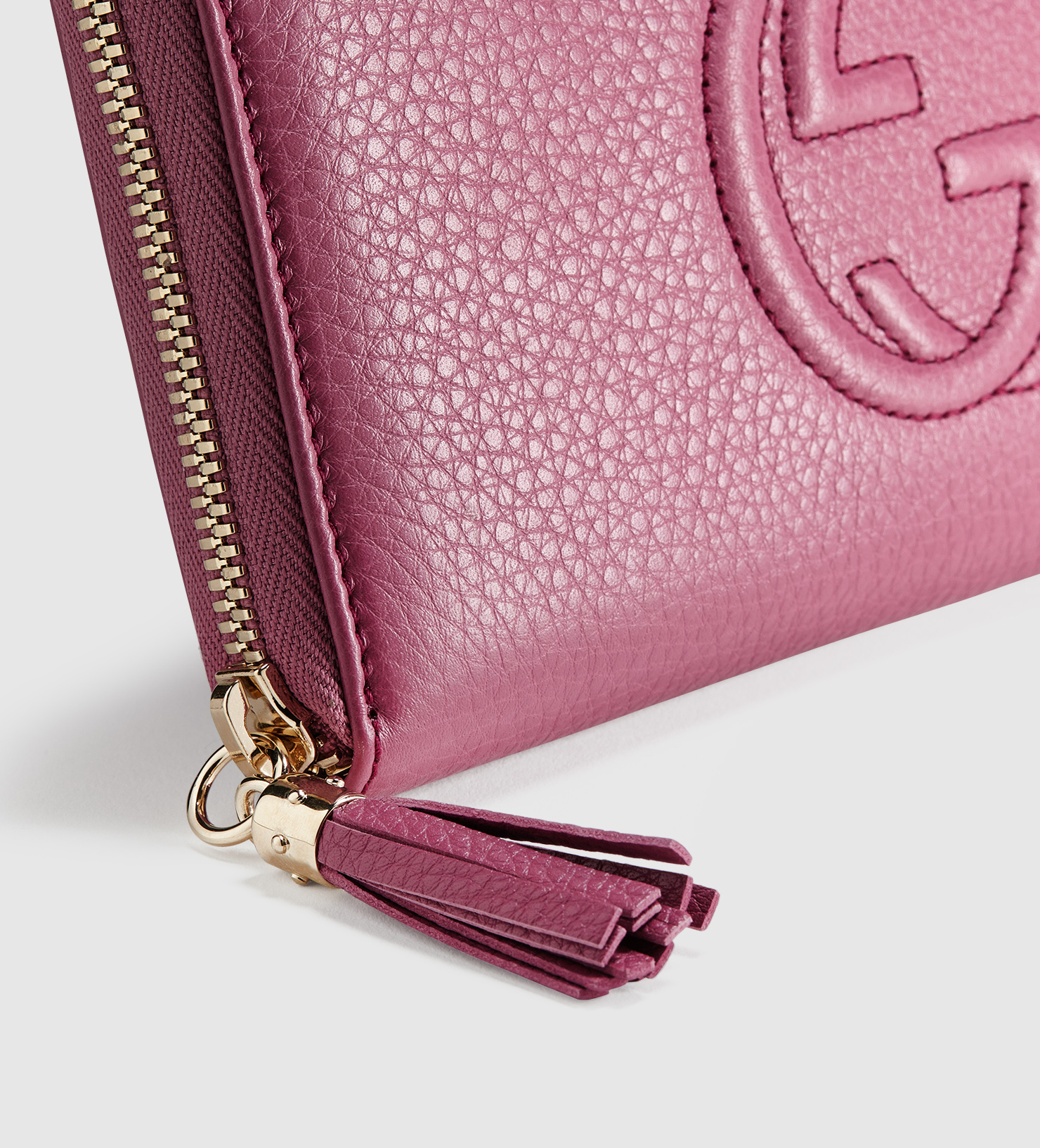 3e48aeec041 Gucci Soho Leather Zip Around Wallet in Pink - Lyst