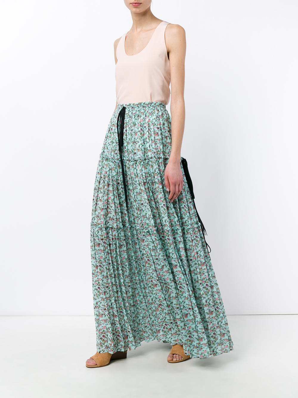 Our women's maxi dress comes in a lovely shade of aqua blue, and has a paisley skirt that is reminiscent of the s. The skirt has a matching blue that is accented with black and purple.