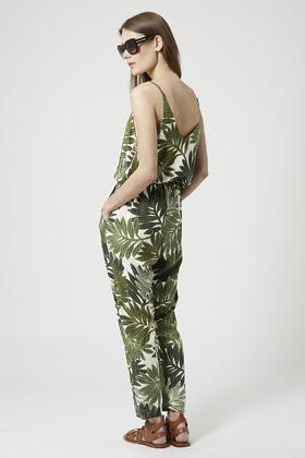 1d4fa5f7dd89 Lyst - TOPSHOP Palm Leaf Print Strappy Jumpsuit in Green