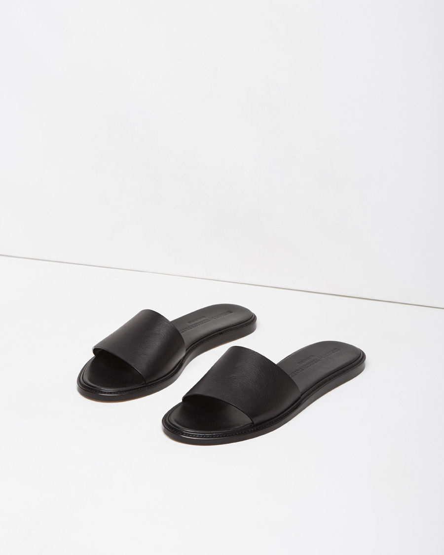 Woman by Common Projects Black Leather Slide In Sandals zHMVC8v