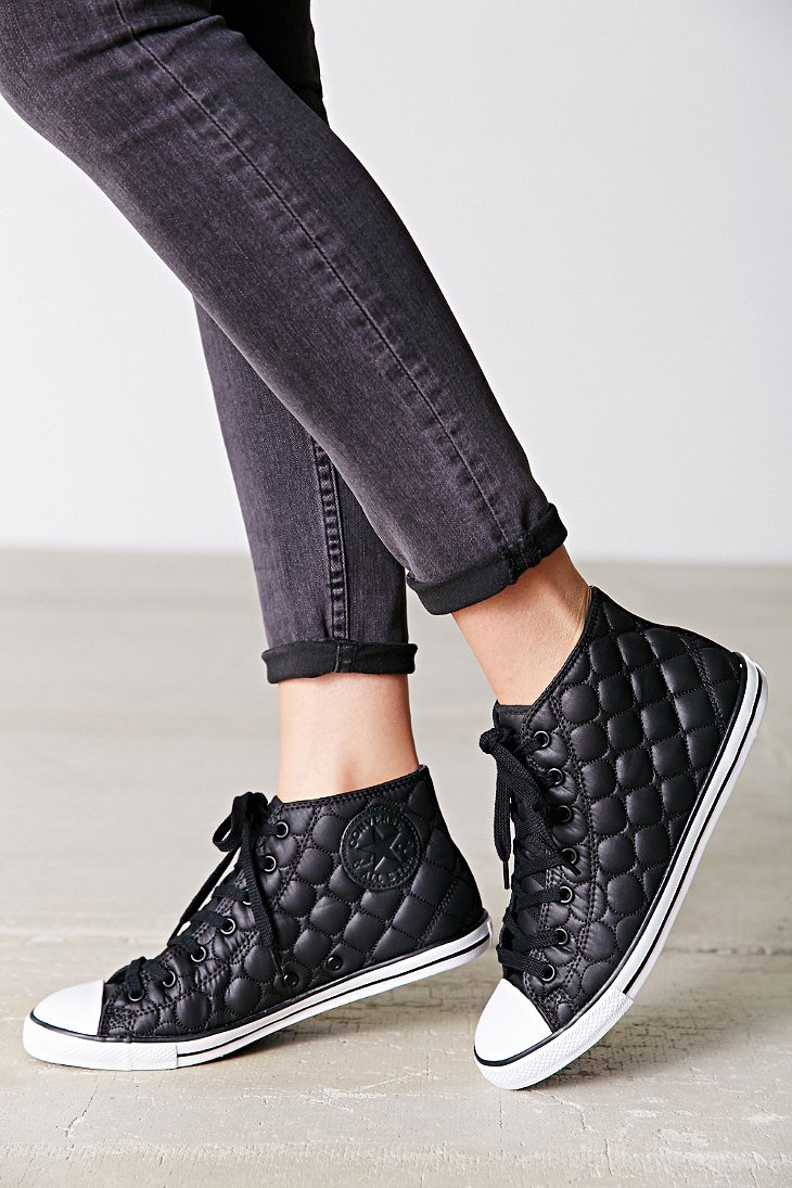 1b33b7334c4 Gallery. Previously sold at  Urban Outfitters · Women s Converse Chuck  Taylor ...