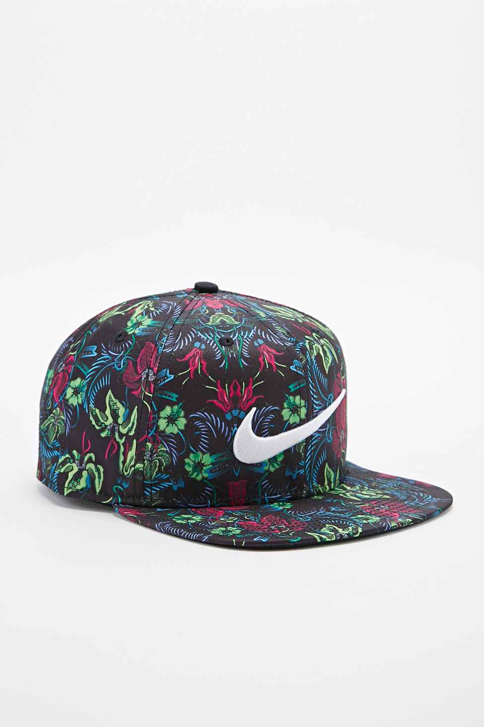 59c5e921 ... best price nike pro floral snapback cap in green and pink for men lyst  367fa 2888a