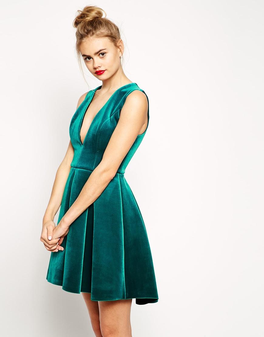 Lyst - ASOS Bonded Velvet Deep Plunge Skater Dress in Green d099768e4