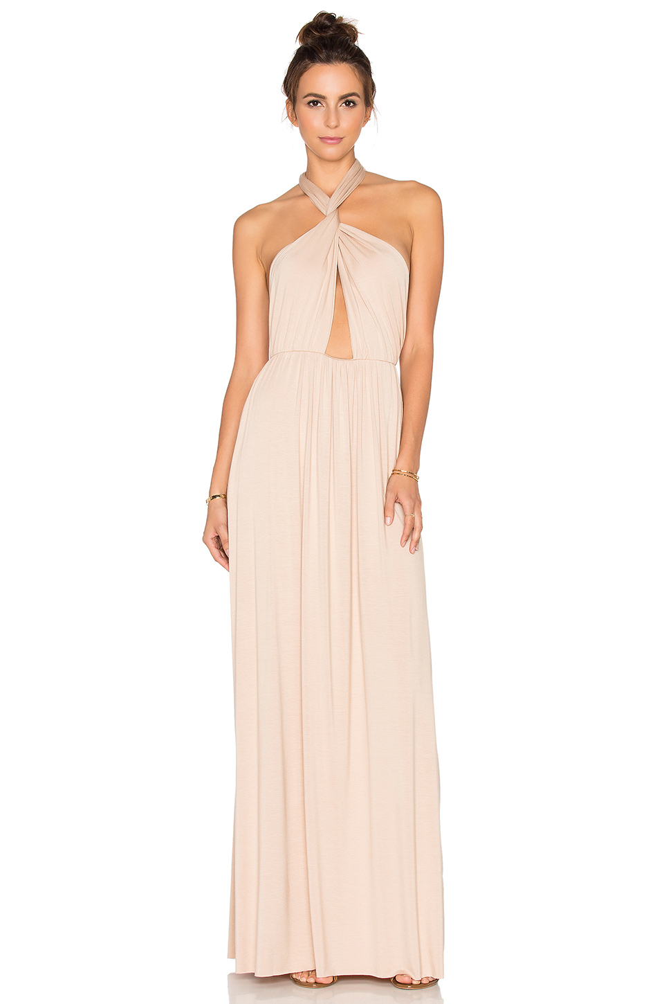 Junior Dresses. Get dressed up for the occasion with the hottest in juniors dresses in a variety of styles. Whether you're heading to homecoming or prom, or just hanging out with the girls on the weekend, find casual to dressy designs featuring the season's hottest trends.