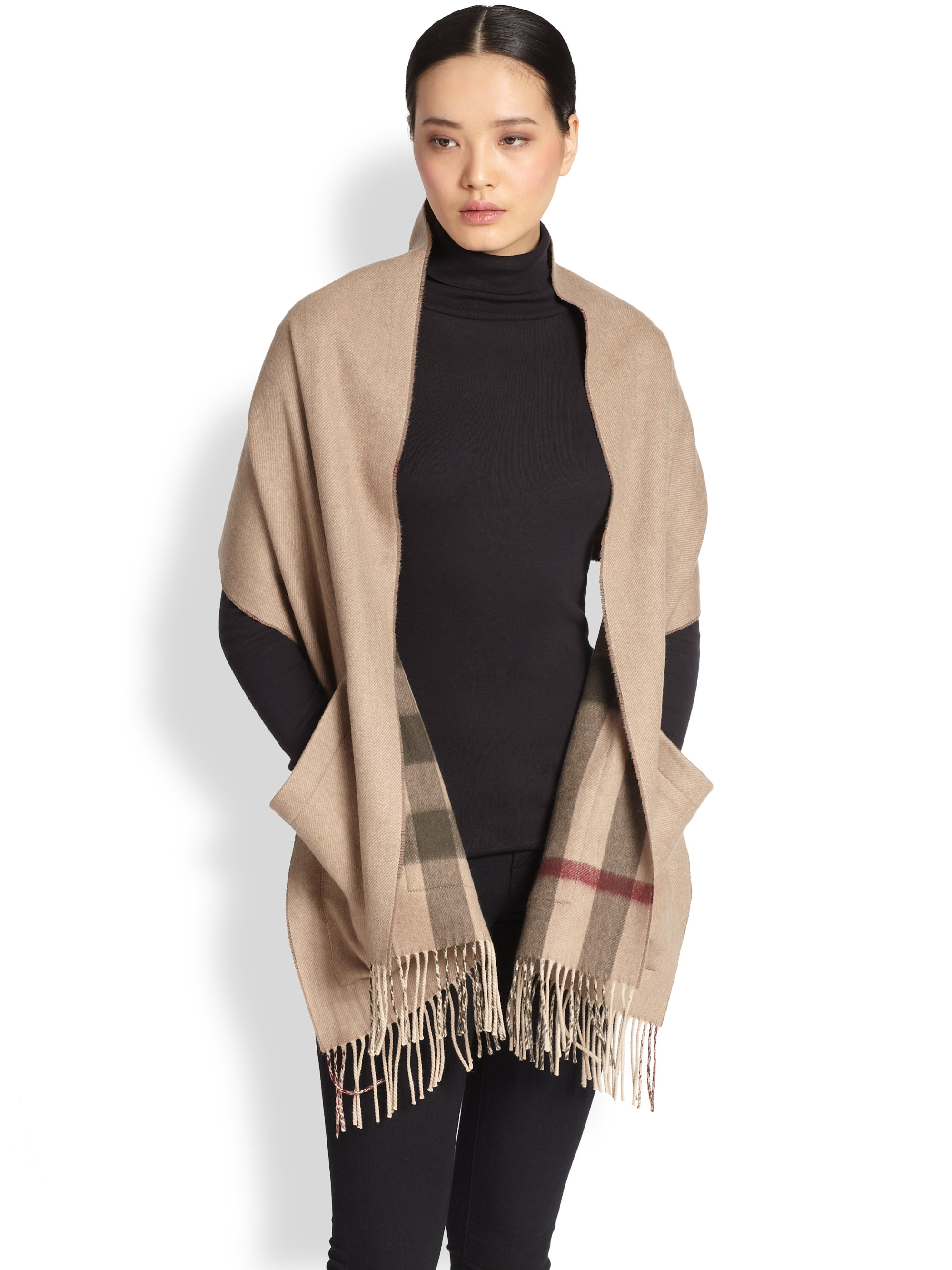 669ba91c778 shop lyst burberry st helene pocket cashmere wool scarf in natural 38c99  db29d