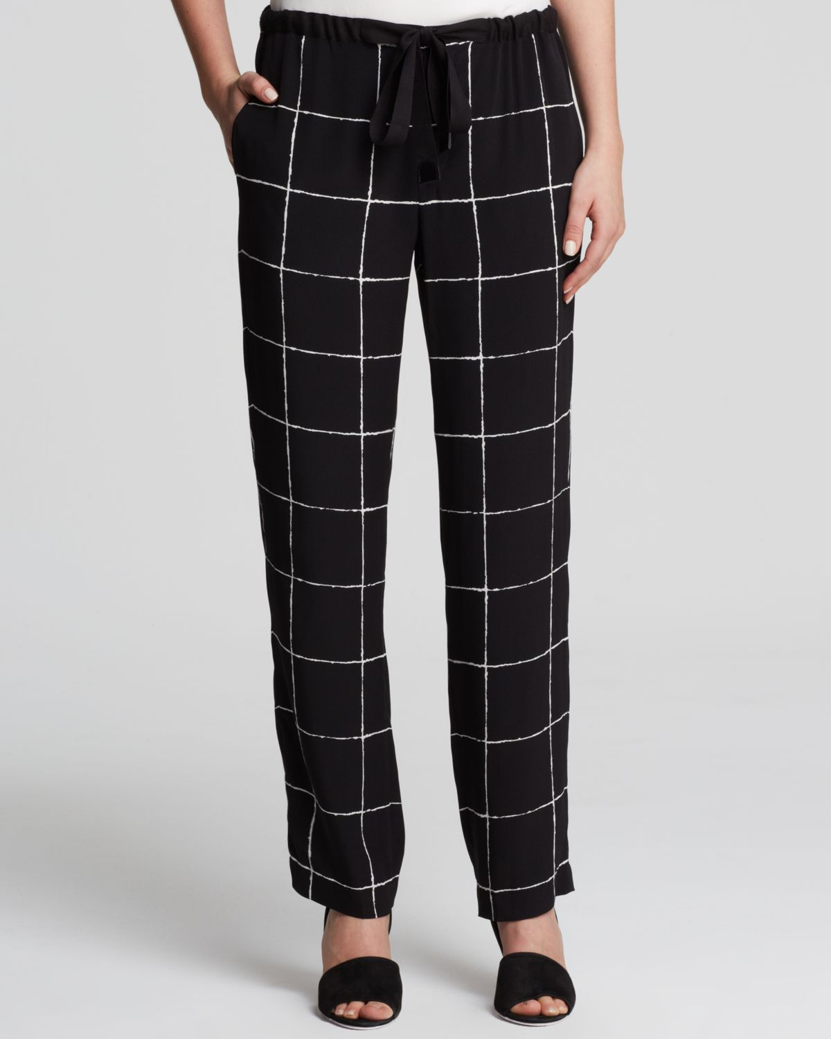 Vince Windowpane Print Silk Pants in Black | Lyst