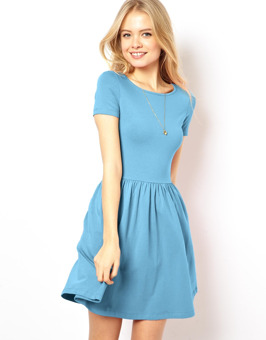 SO brand Juniors Skater Dress. Size Small. Navy blue with white and various pink flowers. Stems are kind of a light mint green and gray. Scoop neck and cap sleeves.