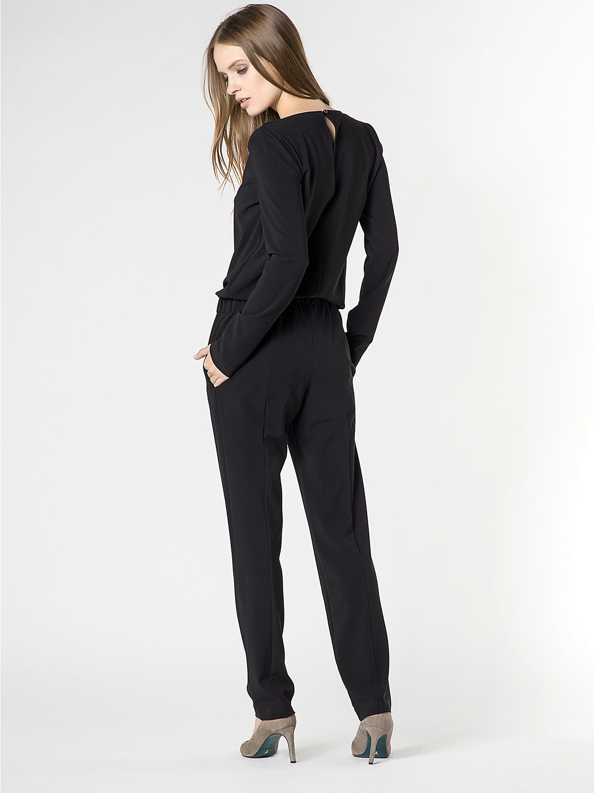 patrizia pepe long jumpsuit in viscose crepe in black nero lyst. Black Bedroom Furniture Sets. Home Design Ideas