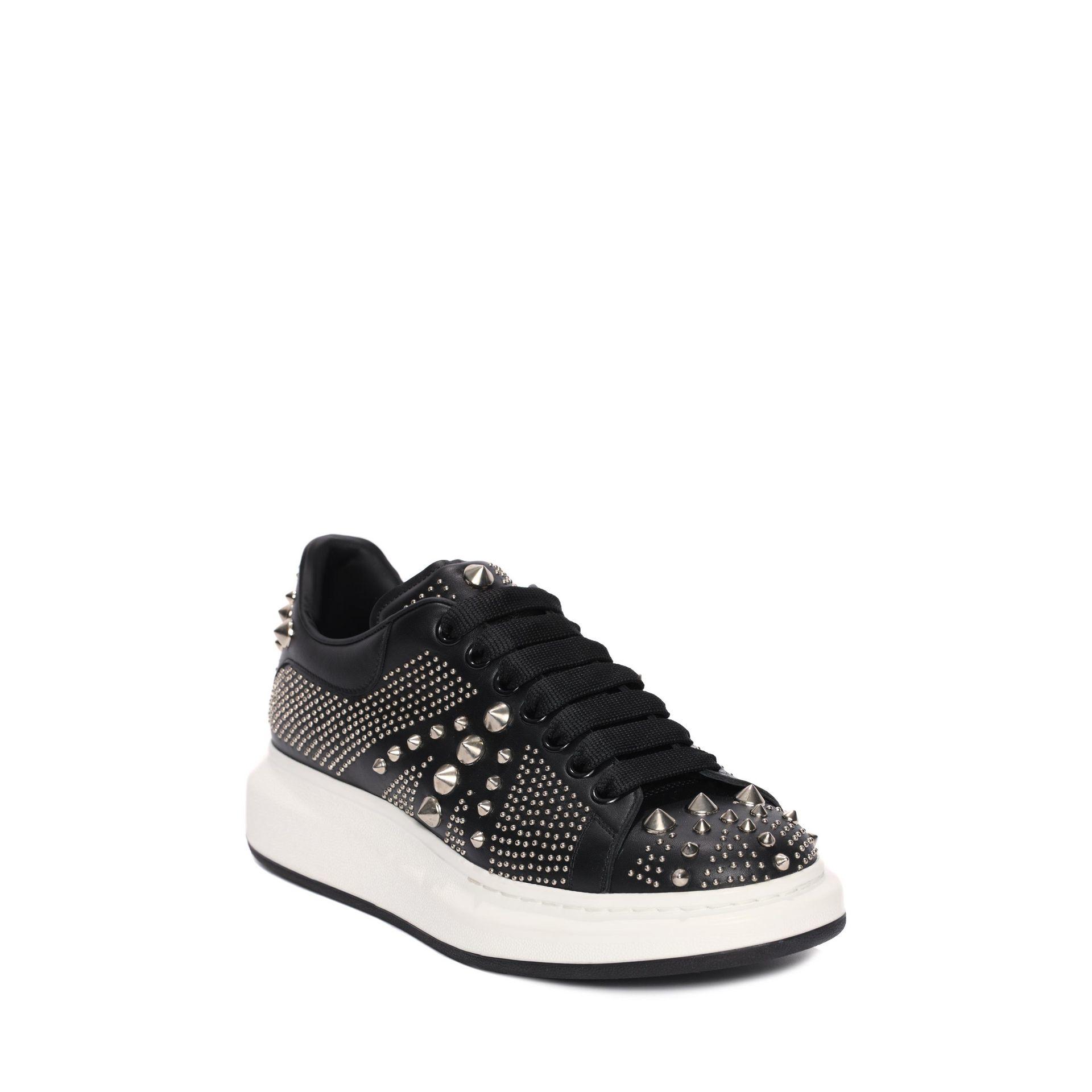 alexander mcqueen oversized sneaker in black lyst. Black Bedroom Furniture Sets. Home Design Ideas