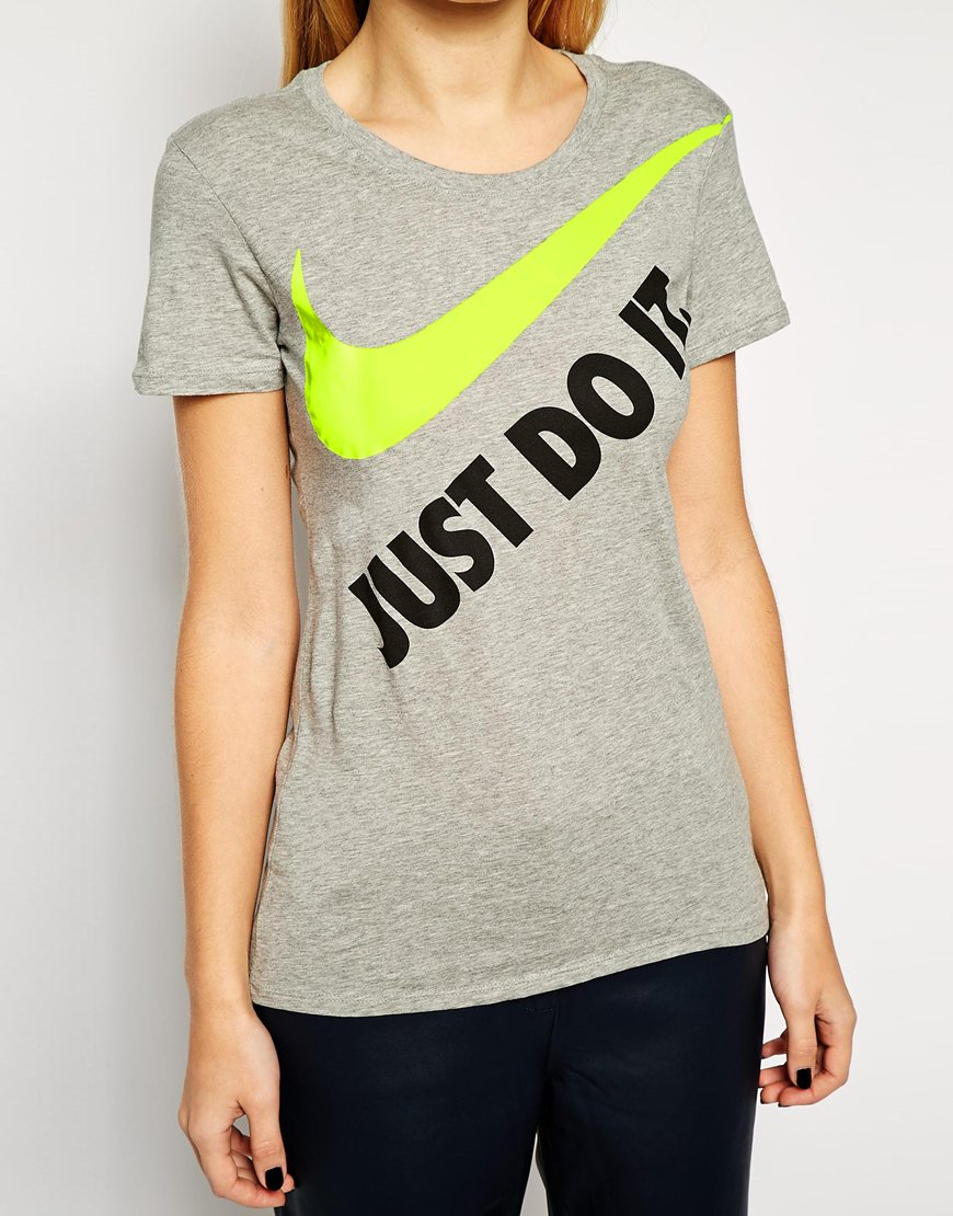 Nike Just Do It T-Shirt in Gray | Lyst