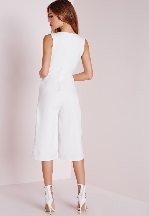 8d1858ae8dac Lyst - Missguided V Front Culotte Jumpsuit White in White