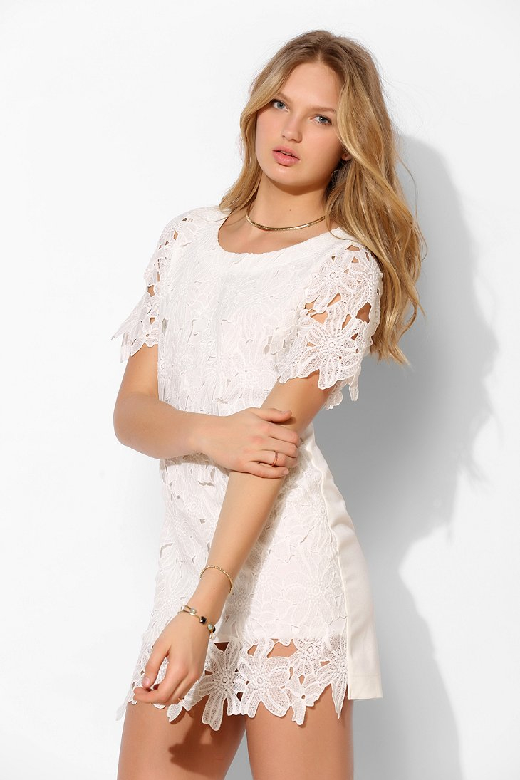 Daisy lace white dress