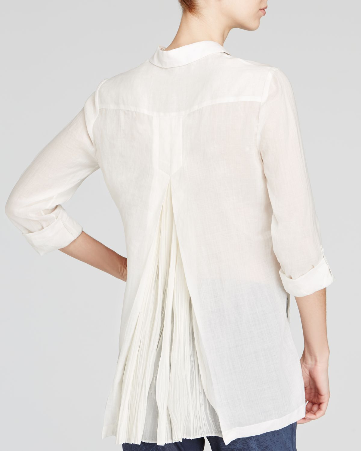 b59a91a487be Elie Tahari Carly Linen Pleat Back Shirt in White - Lyst