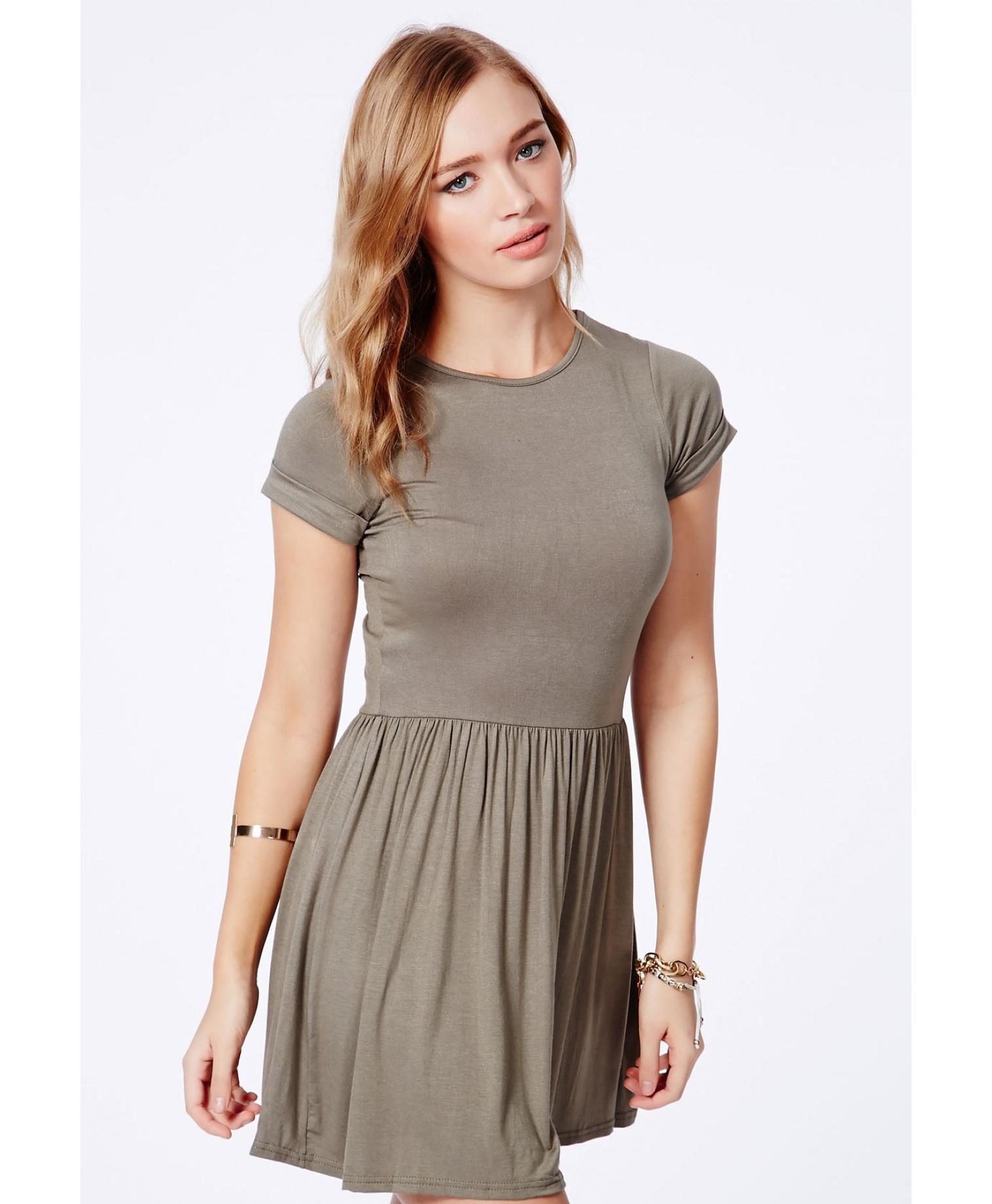 6d288a903e95 Missguided Aliveta Value Tshirt Skater Dress in Khaki in Green - Lyst