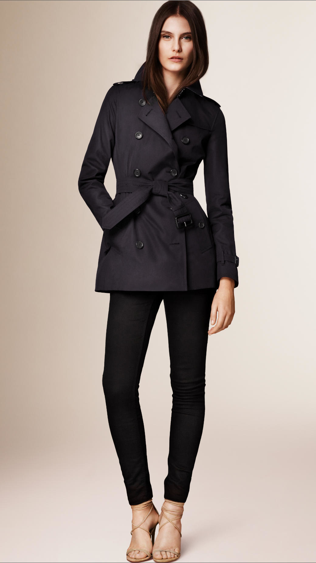 Burberry The Kensington - Short Heritage Trench Coat in Black | Lyst
