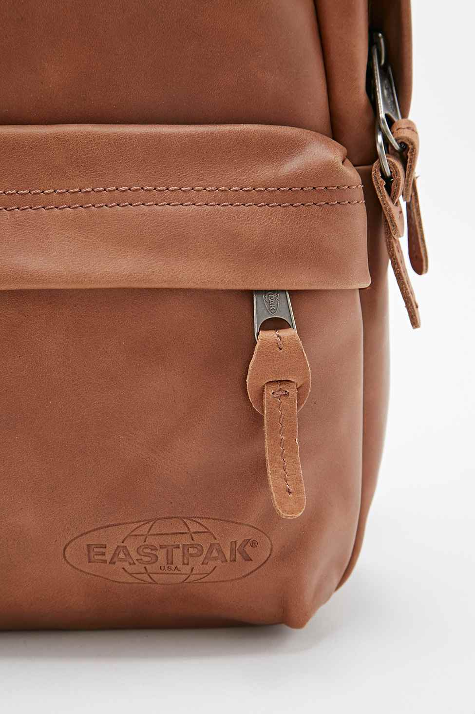 Eastpak Frick Leather Backpack In Tan in Brown | Lyst
