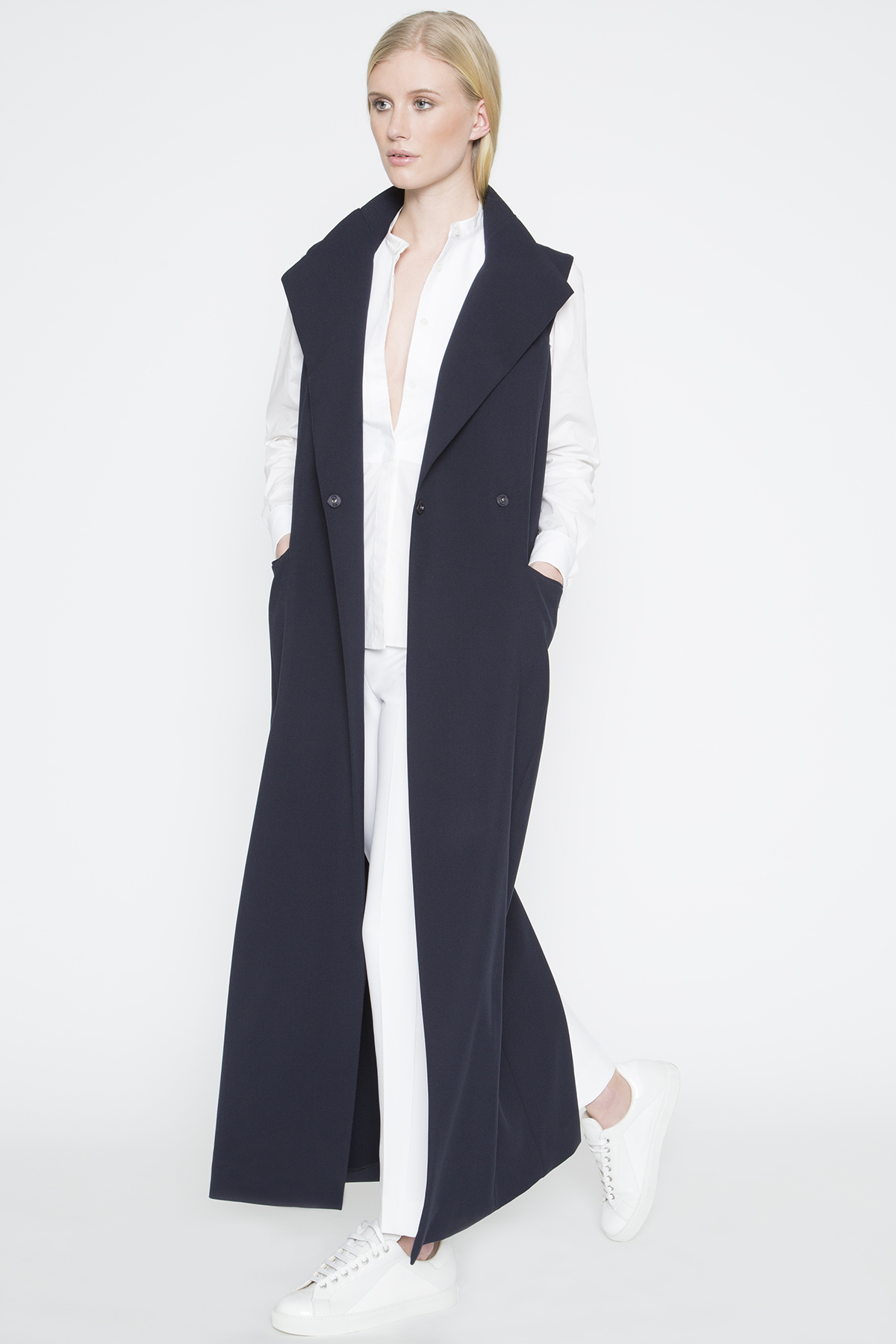 Amanda wakeley Springsteen Long Sleeveless Coat in Blue | Lyst