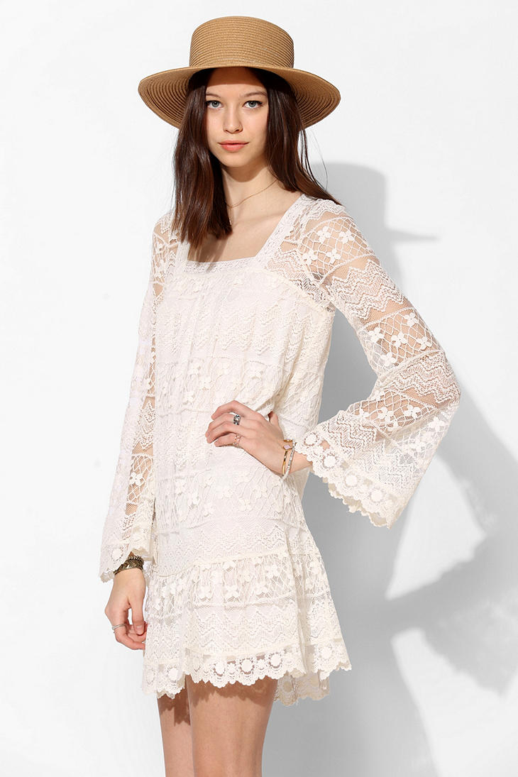7968238cfac Kimchi Blue Buttercup Lace Bellsleeve Dress in Natural - Lyst