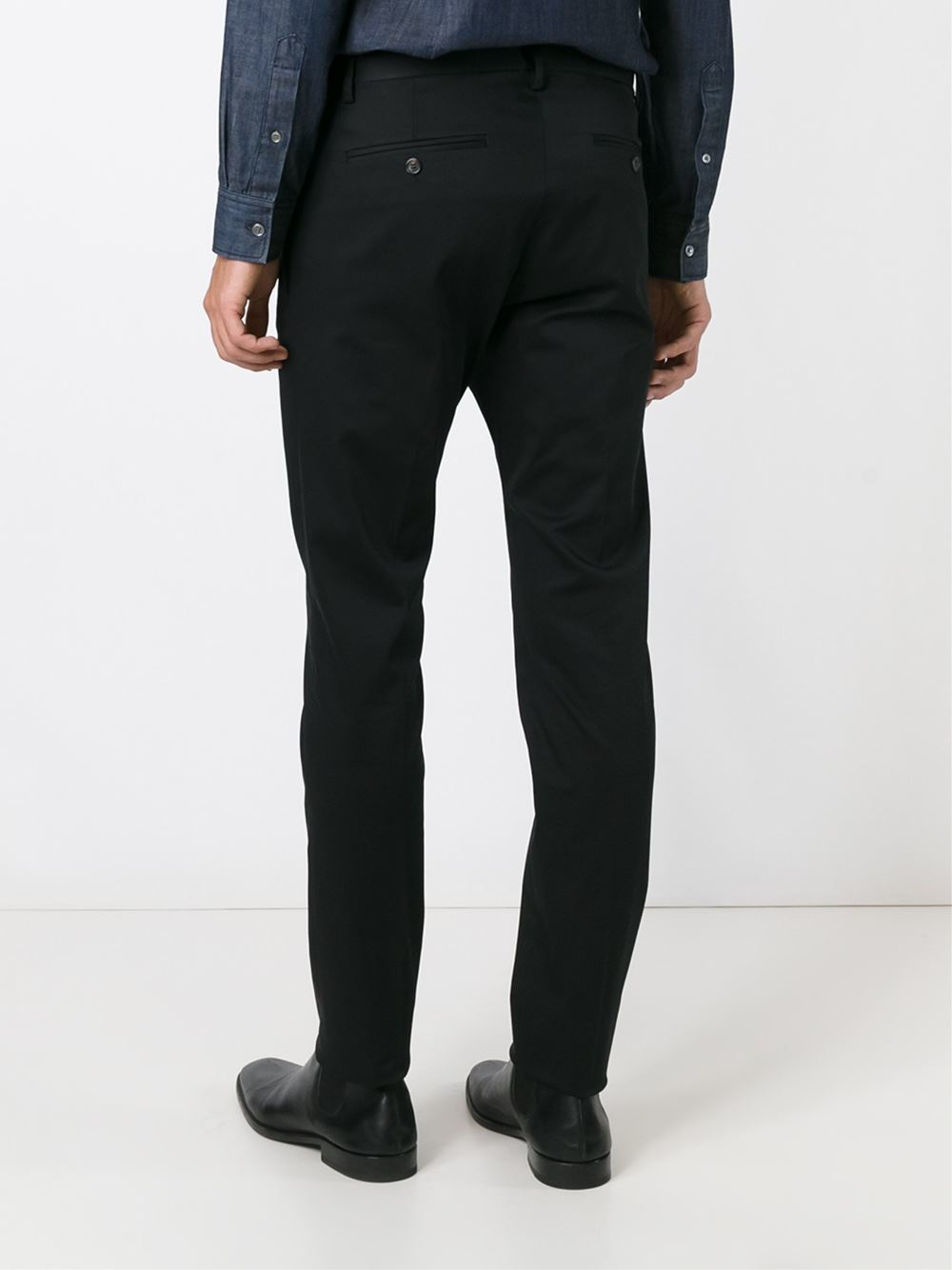 Woven fabric Check print Ring waist belt Tapered leg Our model wears a UK 8 and is cm/5'9'' tall.