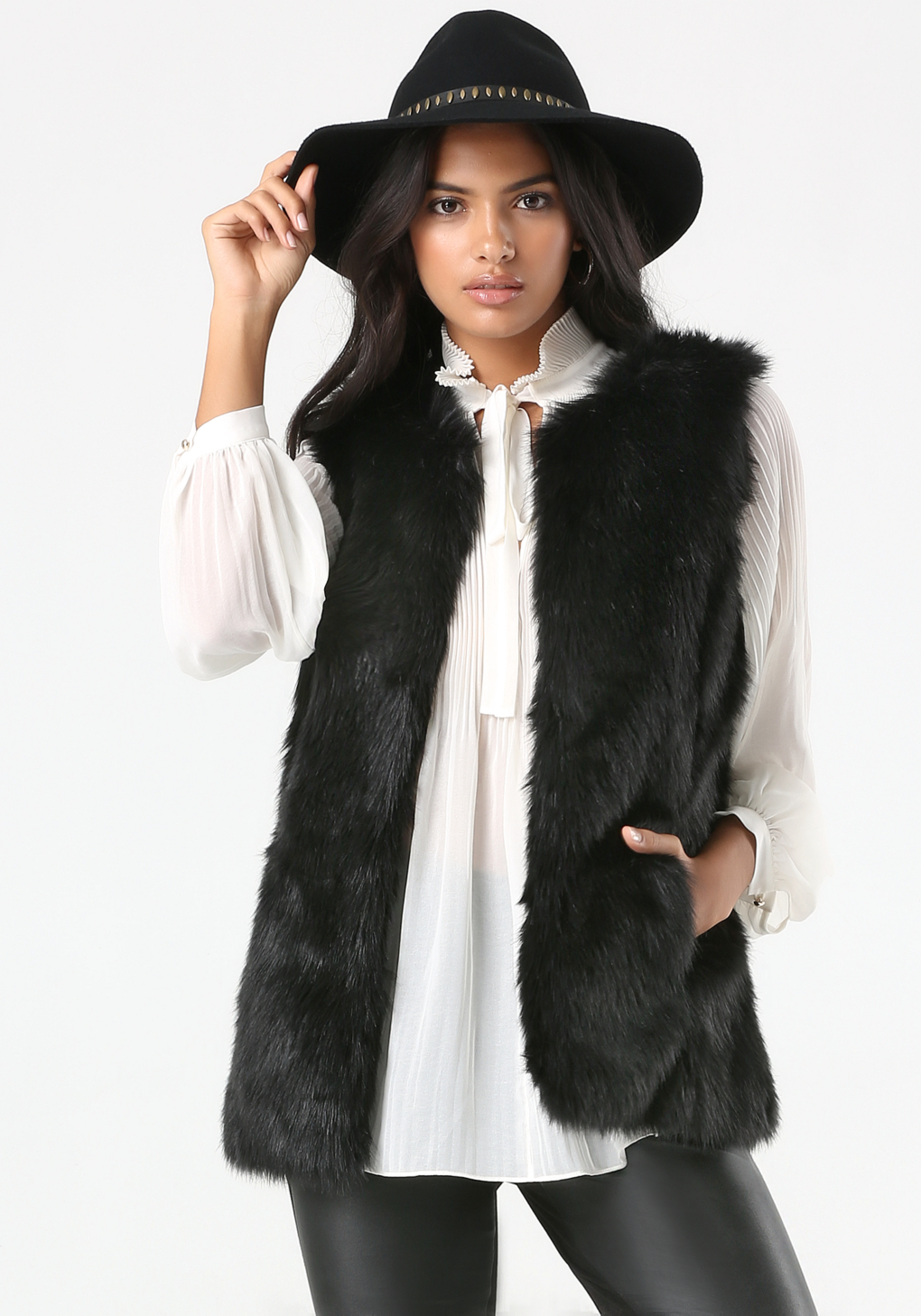 Shop waistcoat cheap online, you can get long, white and black waistcoat for women online at wholesale prices on xianggangdishini.gq PU Leather Spliced Zippered Faux Fur Waistcoat - White - XL. Textured Fringed Knitted Asymmetric Vest - Red - ONE SIZE. Chic Stand Collar Sleeveless Striped Waistcoat For Women - White - XL.